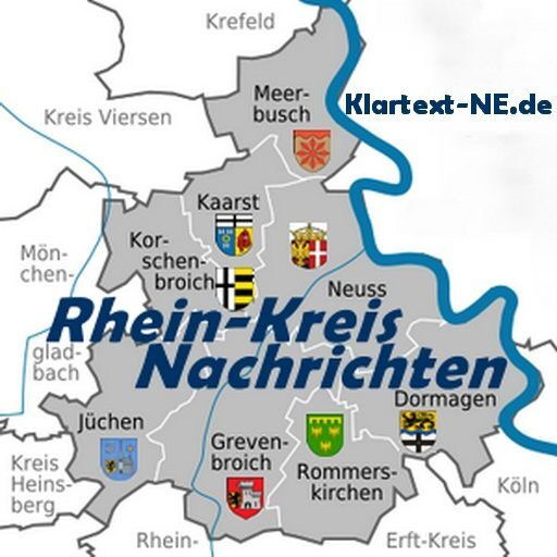 Landrat Hans-Jürgen Petrauschke (l.) dankte den jungen Autoren sowie Renate Kaiser von der wort-agentur (hinten 2.v.r.) und dem Künstler Jörn Lange (hinten 3.v.r.). Foto: A. Baum / Rhein-Kreis Neuss